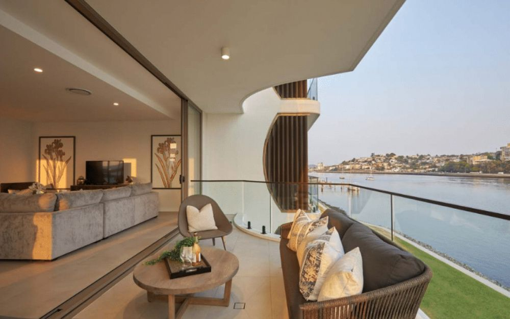 River Front Living in Bulimba