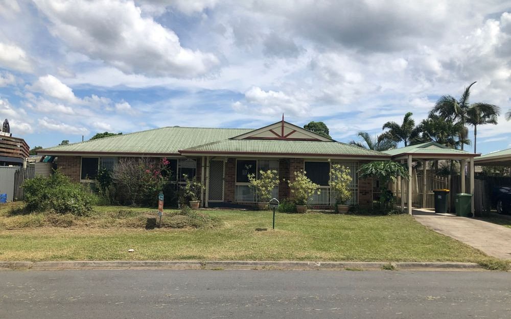 Large family home close to Morayfield Shopping Centre