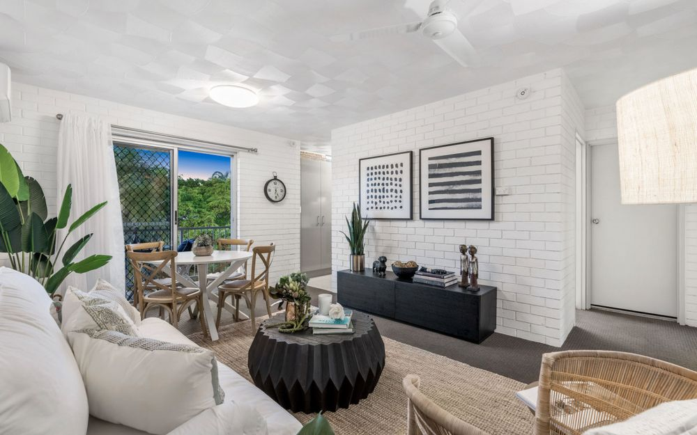 Combining Style and value in a Blue-Chip Suburb