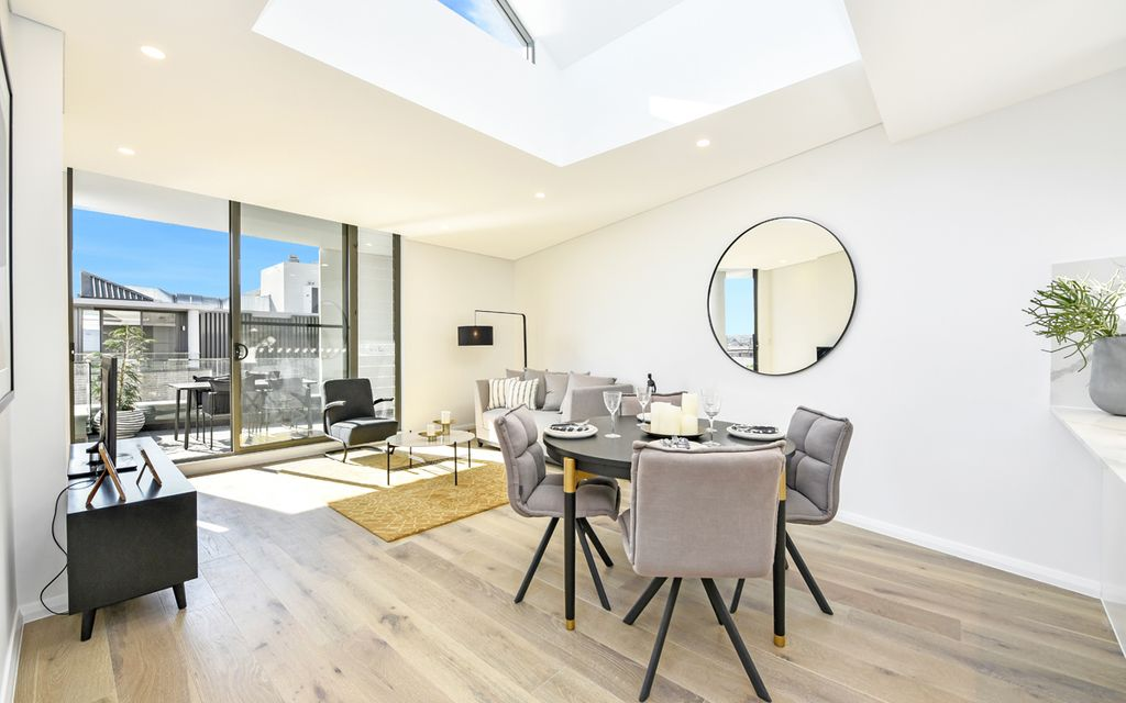 Immaculately presented sun filled apartment with Skylight