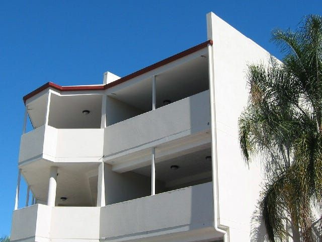 ON THE DOORSTEP OF QUT  a great investment