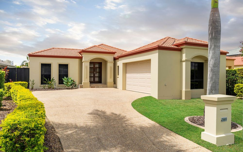 Single level on water in Gracemere – Great buying!
