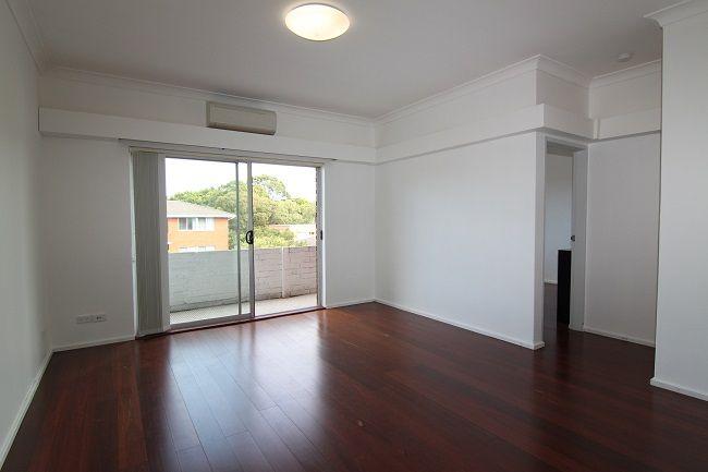 Top floor renovated 2 bedroom unit, conveniently located