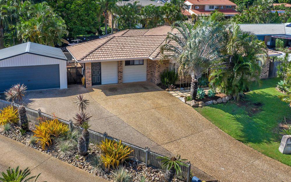 LARGE & PRIVATE HOUSE + POOL + SHED!!!