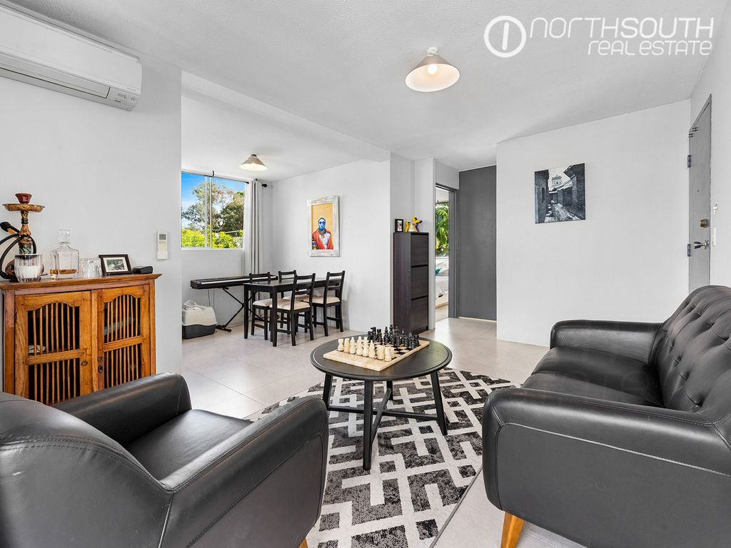 Stylishly renovated apartment in an unbeatable location!