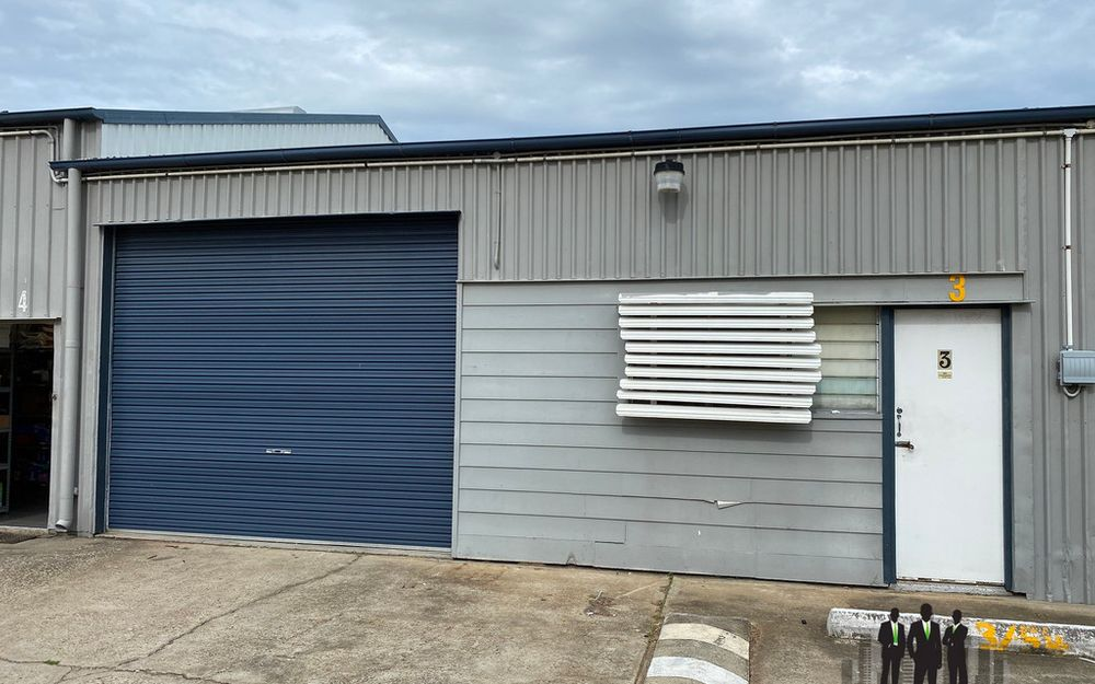 100 m2 Industrial Shed in Busy Estate