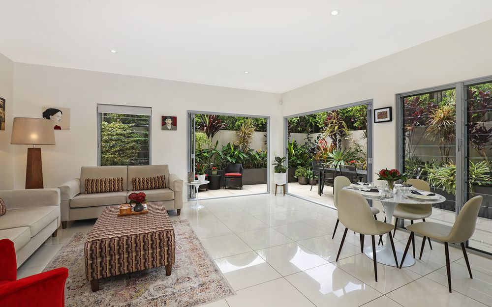 Contemporary House Sized Villa within short walk to Buderim Village