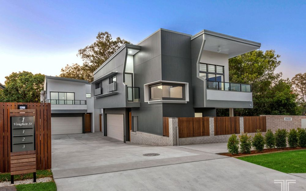 Modern, Stylish Townhouses in Quiet, Leafy Location