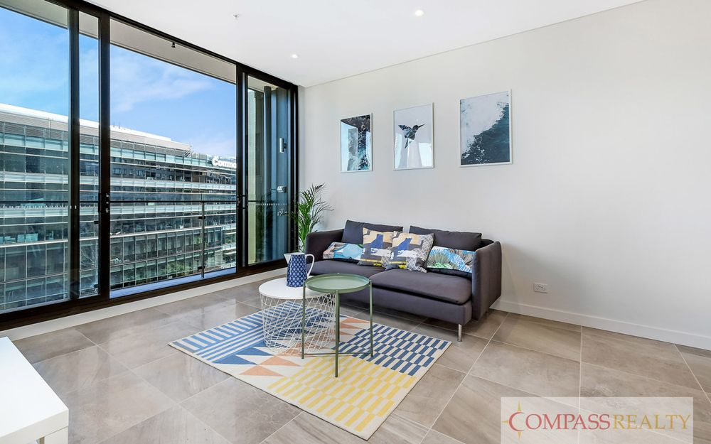 "Like new fully furnished 2 bedroom apartment on Level 9 of the ""Radiance"" building with Darling Harbour view"