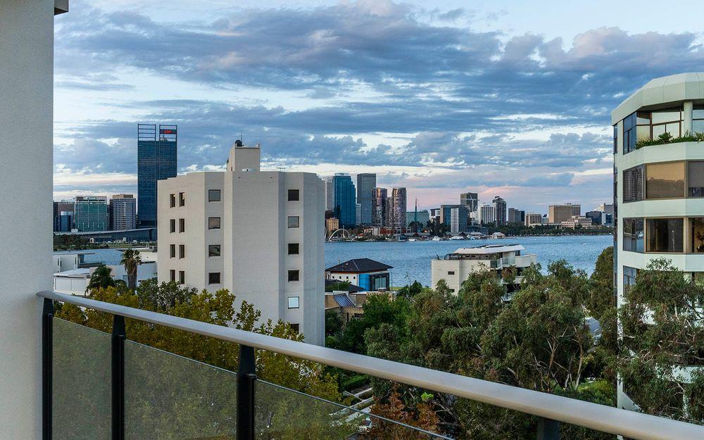 Modern Living, Amazing Views!