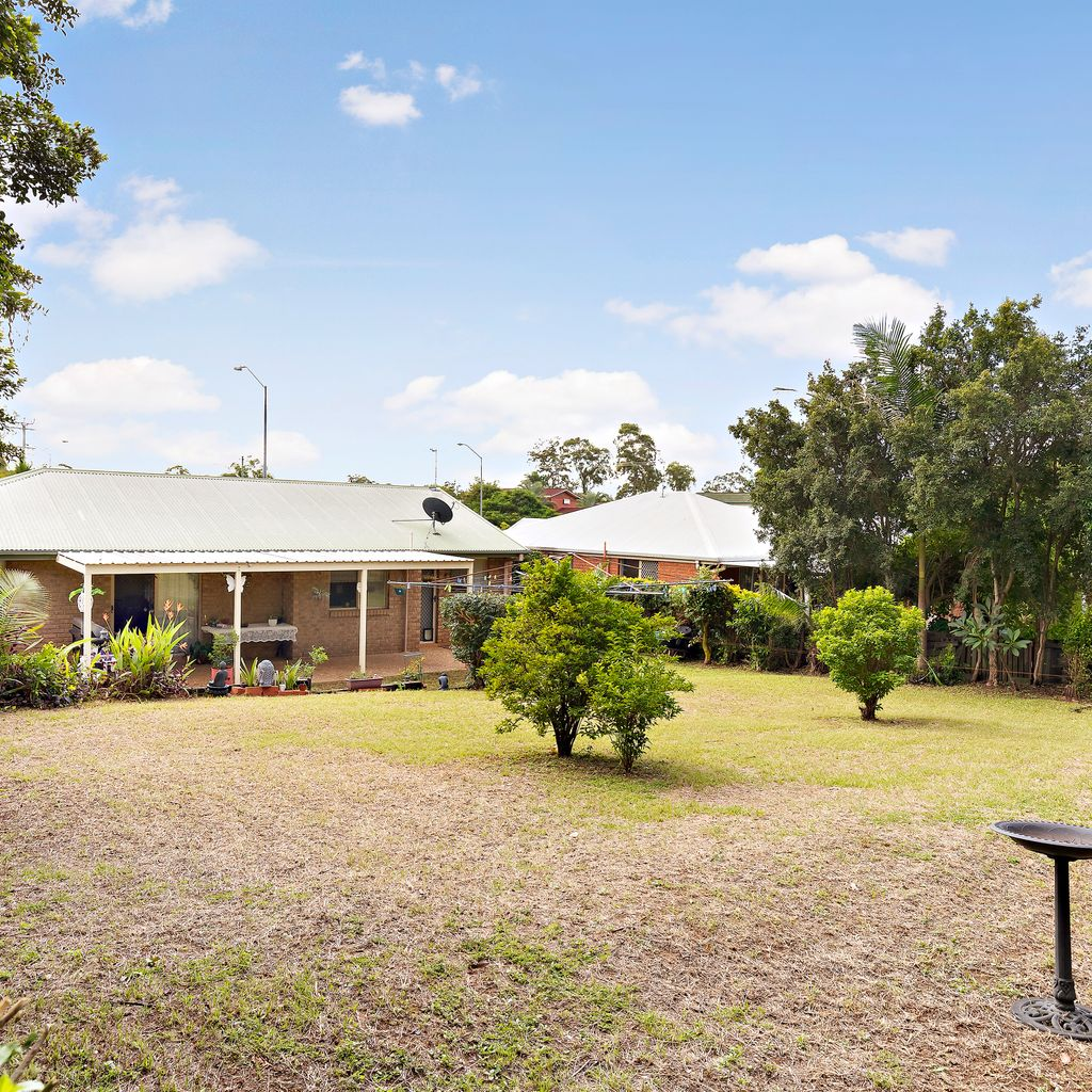 Private Oasis in the heart of Morayfield.