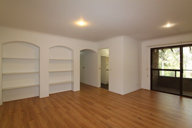 Top floor renovated 3 bedroom unit with leafy outlook