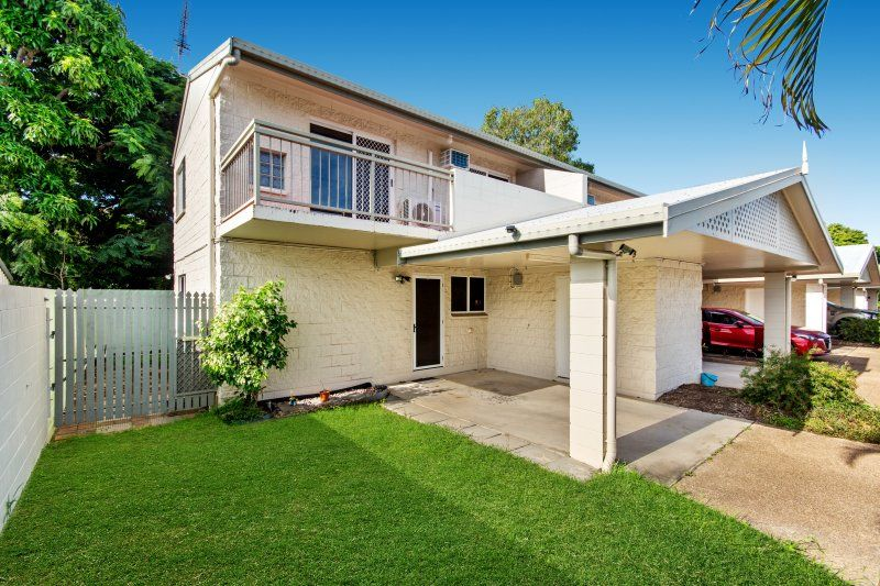 THIS TOWNHOUSE SITUATED AT THE END OF THE COMPLEX OFFERING A FRESH FUSION OF COMFORT AND CHARM. A SECURE QUIET COMPLEX INCLUDES AN INGROUND POOL.