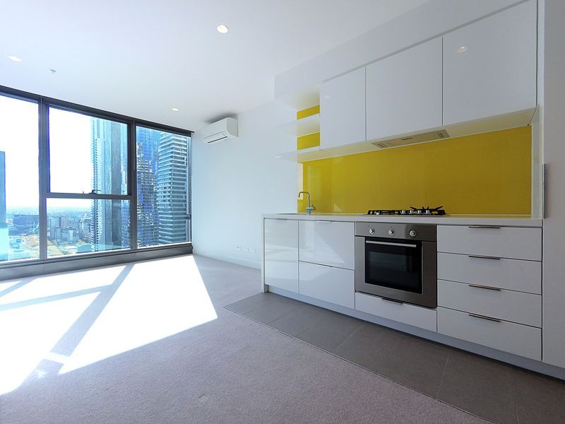 Superb location in the Heart of CBD with stunning views!