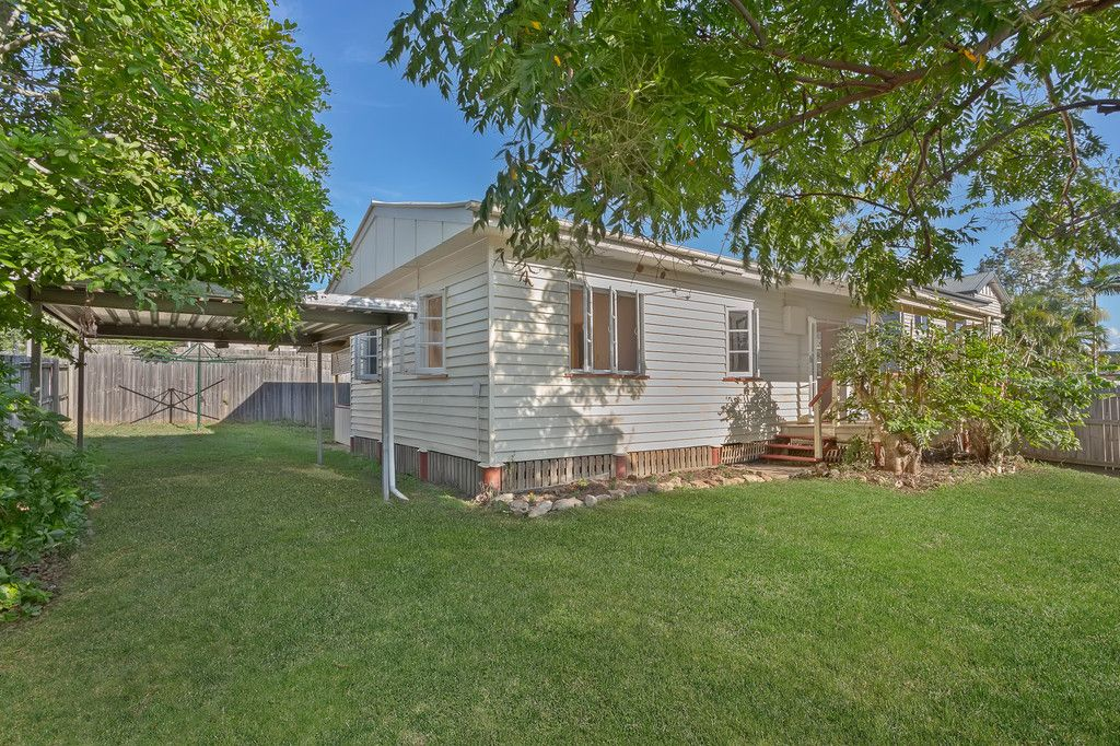 Renovated Cute Cottage In The Heart of Strathpine calling all Investors and First Home Buyers!