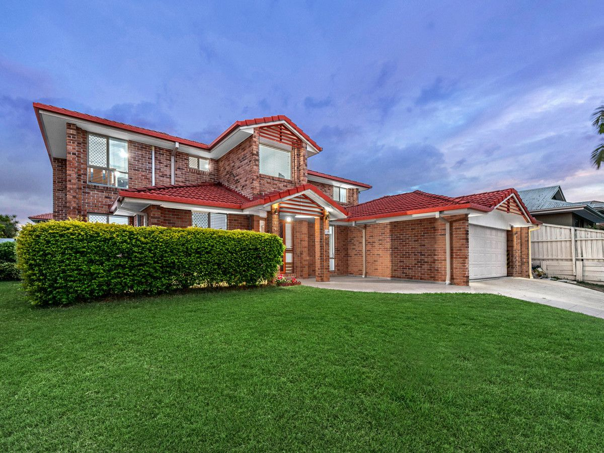 Extensively Family Home in Quiet Location