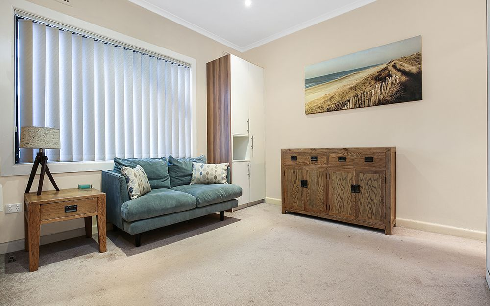 FULLY FURNISHED STUDIO APARTMENT IN THE CBD!