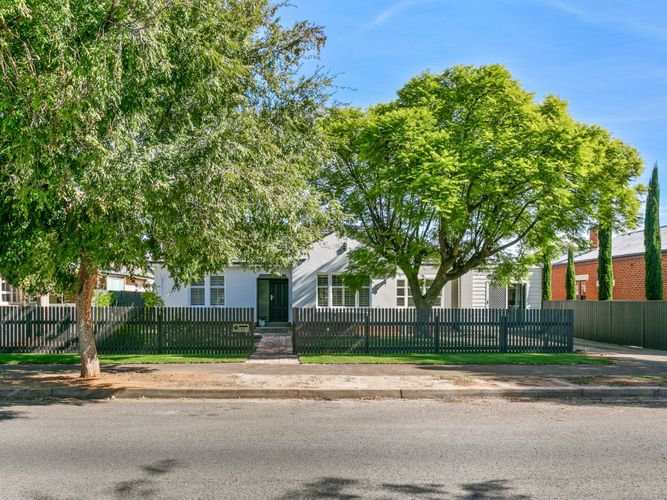 Immaculate Family Home in an Ideal Location