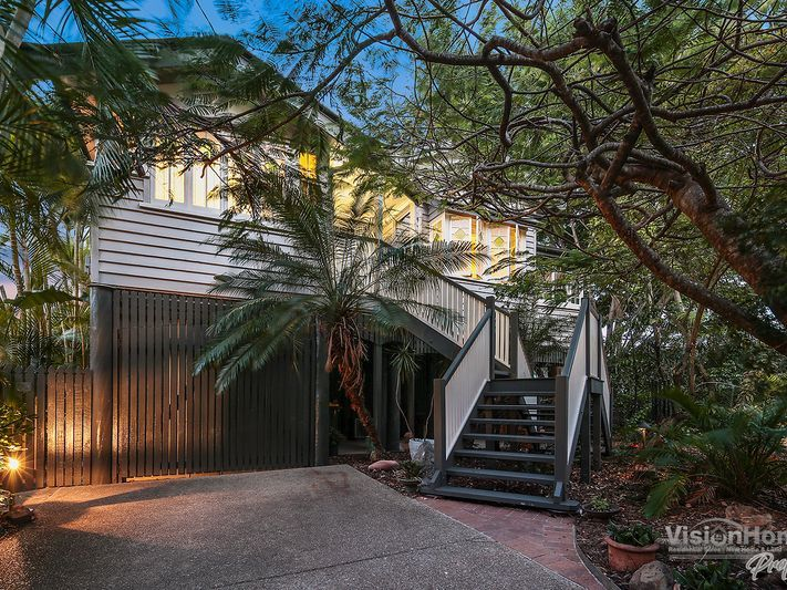Private Oasis in Sandgate with Studio Flat (2 streets from the water)