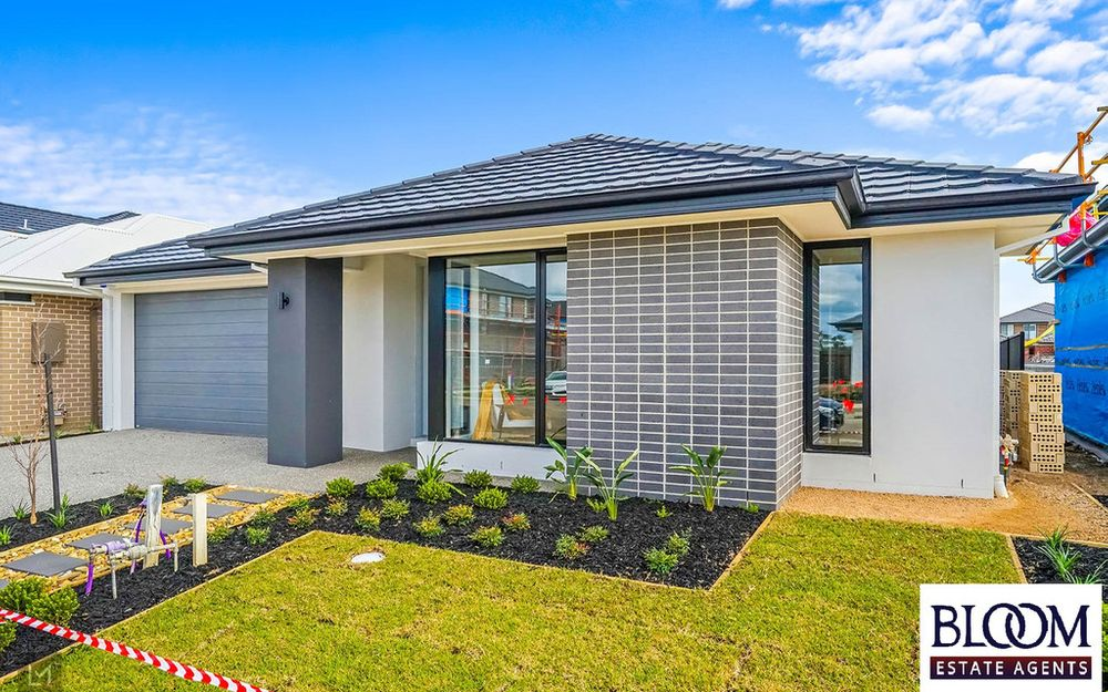 Ready to move Brand New Henley House !! Call Tarun now 0466442793