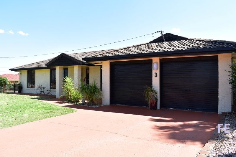 Great size family home set on 1 acre with Bunya views