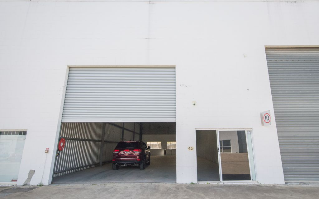 Prime Brisbane Road Location – Must Be Leased