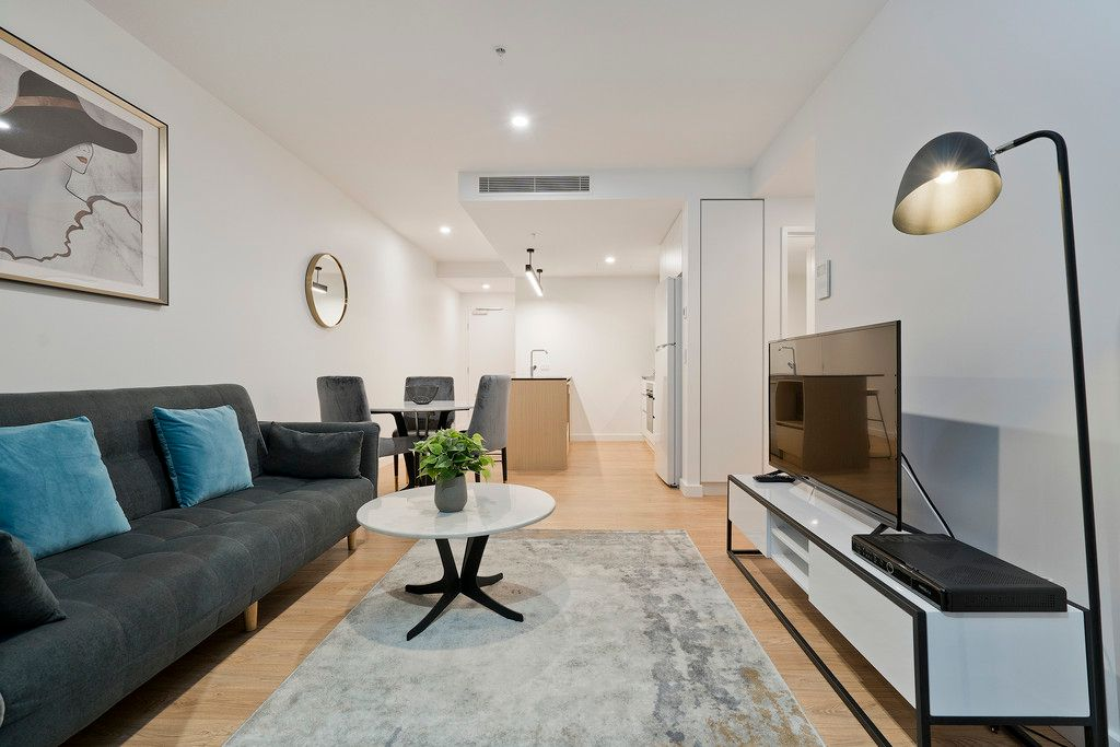Oversized 1 bedroom plus Study in the heart of South Brisbane!