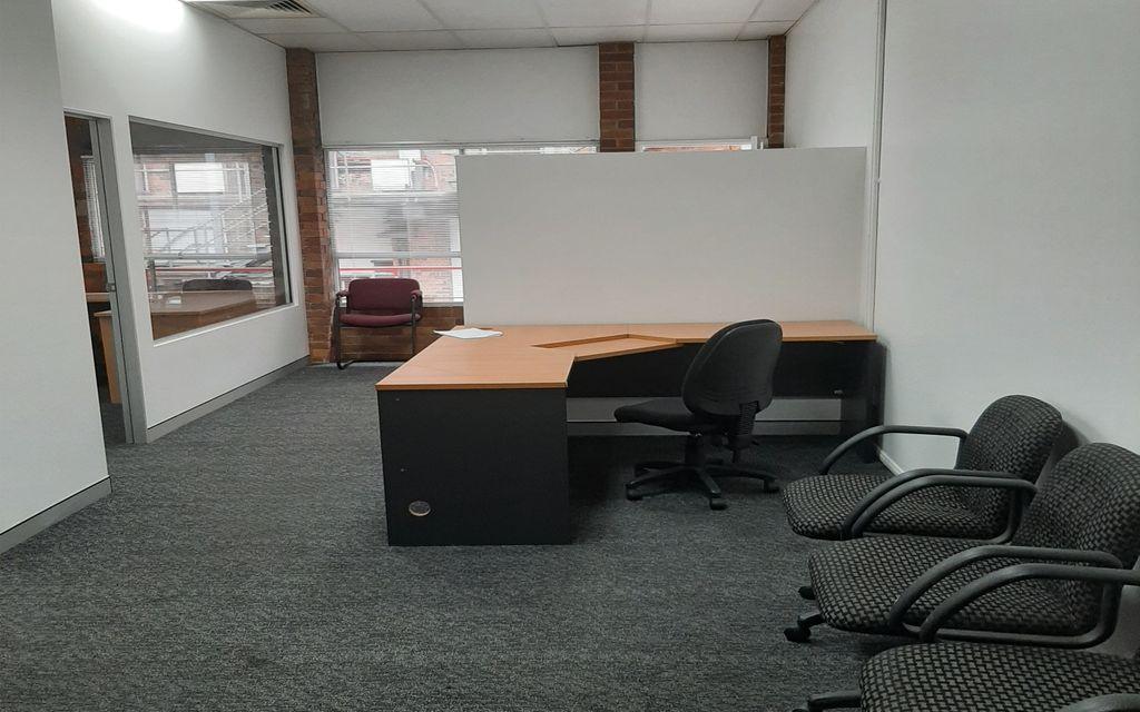 90 m2 BUDGET PRICE OFFICE