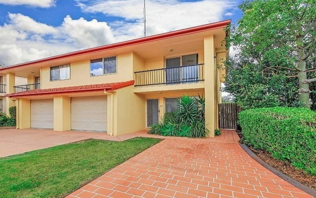 ENTRY LEVEL TOWNHOUSE – Mansfield State High School catchment.