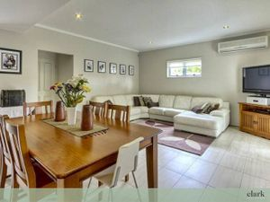 BEAUTIFULLY APPOINTED 3 BEDROOM TOWNHOUSE