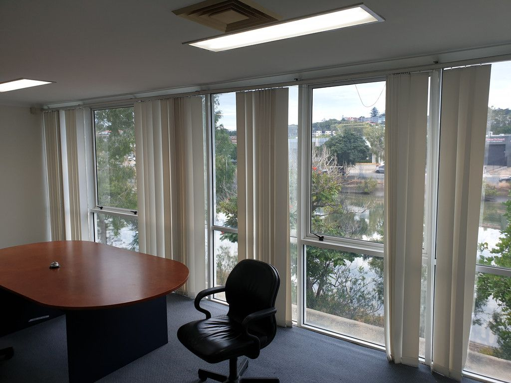 Self Contained 1st Floor Office