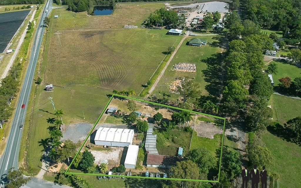UNIQUE Opportunity Along Bribie Island Road