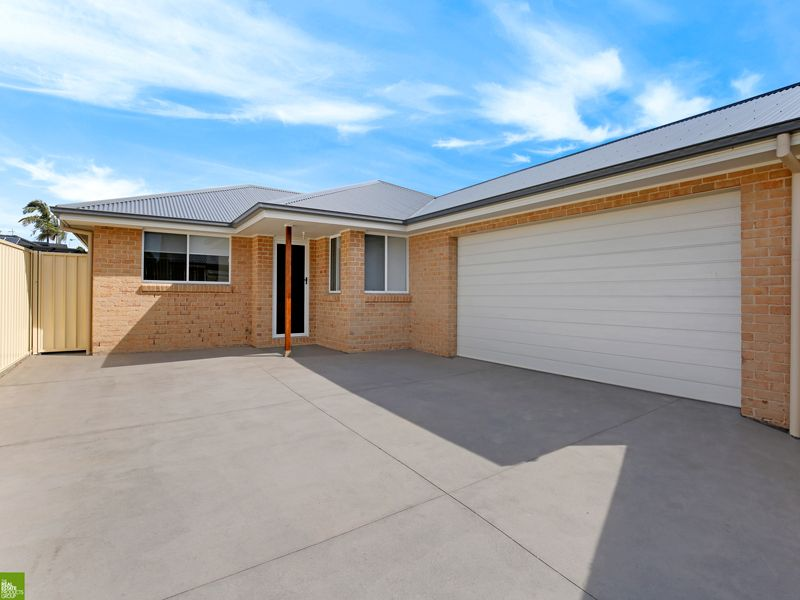 NEAR NEW QUALITY 3 BEDROOM HOME WITH DOUBLE GARAGE