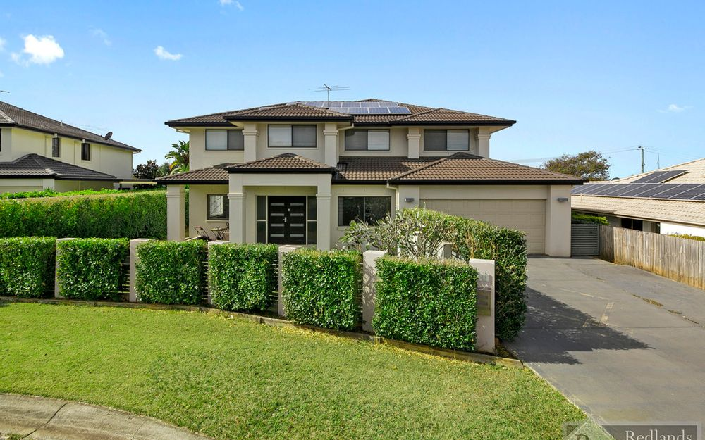 Magnificent Family Home in Redland Bay