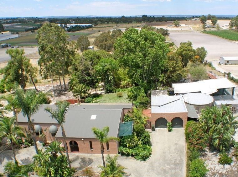 INVESTMENT OPPORTUNITY… STAGE 2 EAST WANNEROO STRUCTURE PLAN