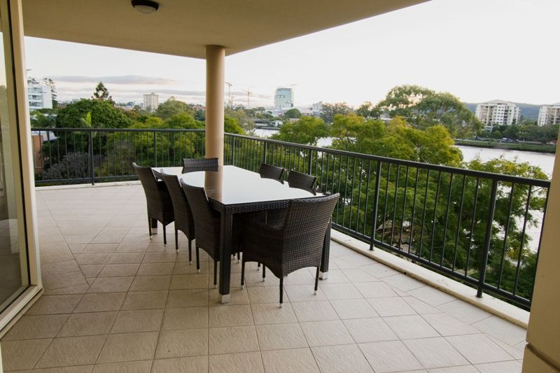 Exceptional 3 Bed River Front Apartment!