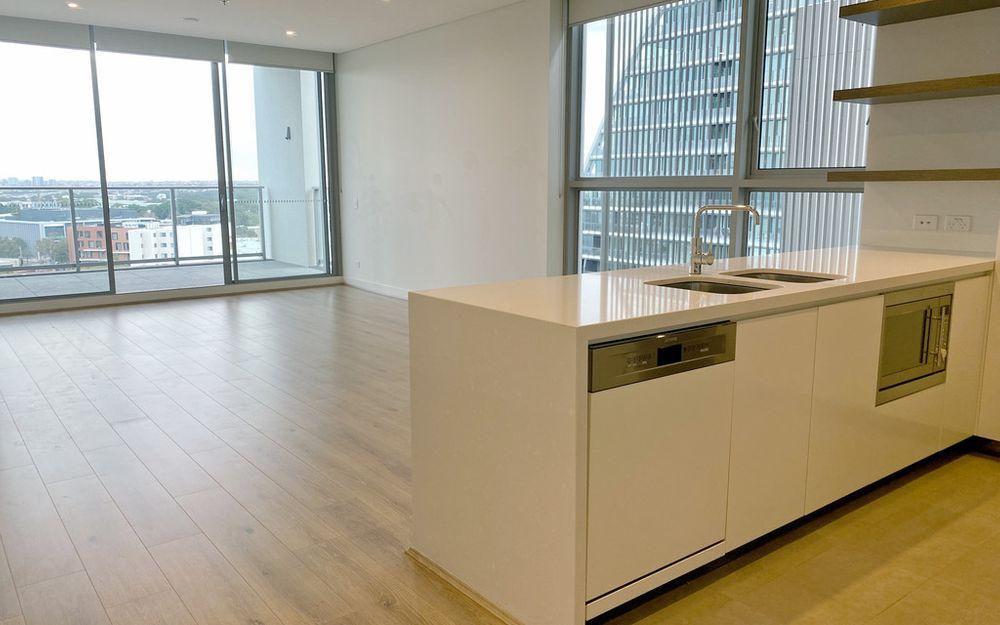 Top floor 2 Bedroom Apartment at the heart of Green Square