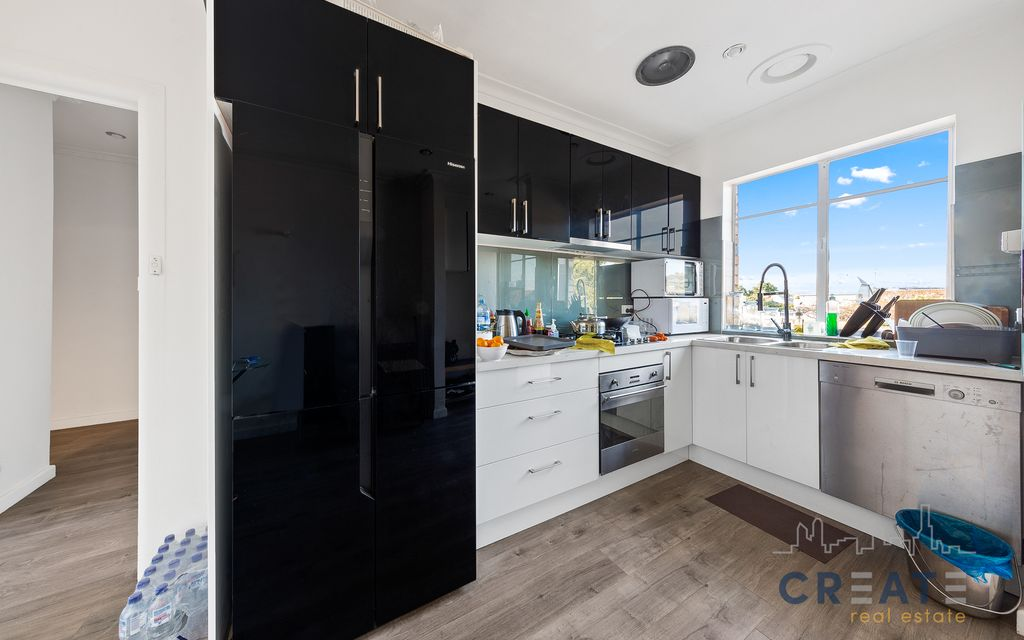EVERYTHING YOU NEED IS HERE – 3 BEDROOM UNIT IN SPOTSWOOD