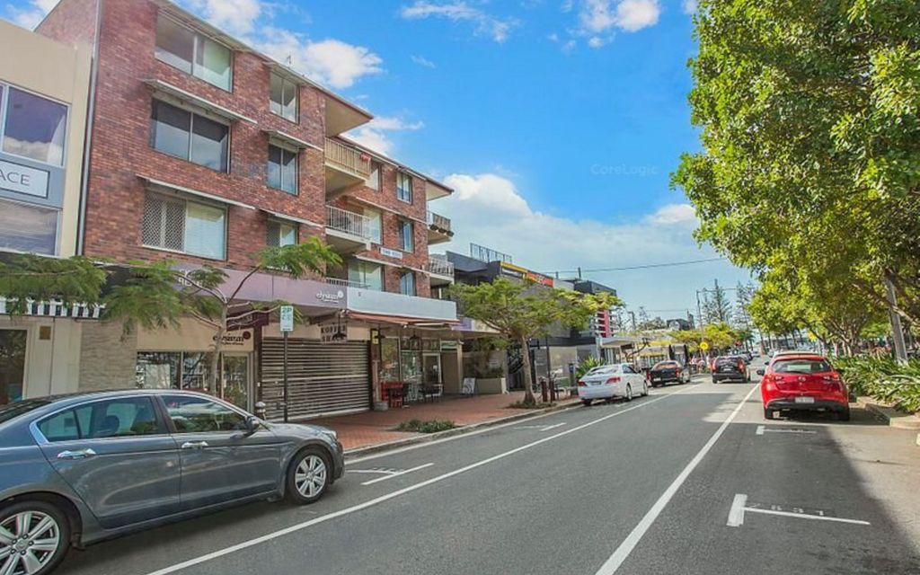 PERFECT BURLEIGH HEADS APARTMENT IN IDEAL LOCATION!