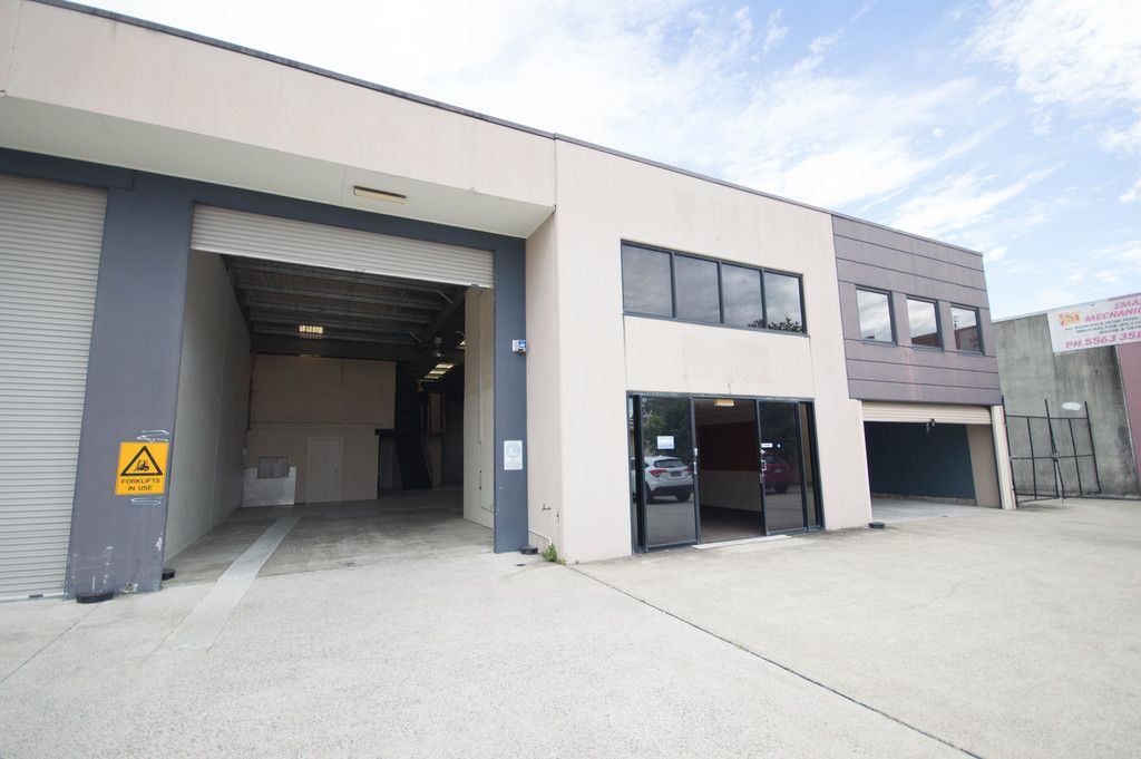 Highly Functional Office Warehouse Facility