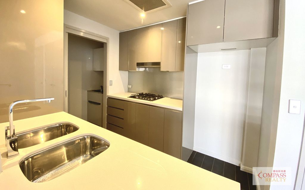 Stylish two bedroom apartment! 2 WEEKS RENT FREE!