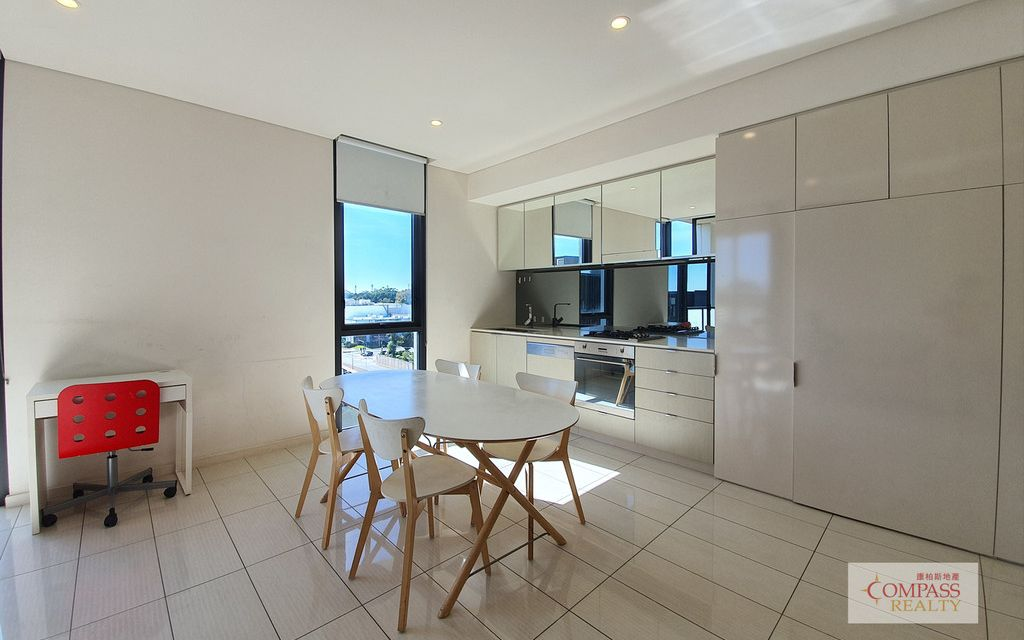 Views to the Sky Garden  Like New Apartment in East Village! 2 WEEKS RENT FREE!!