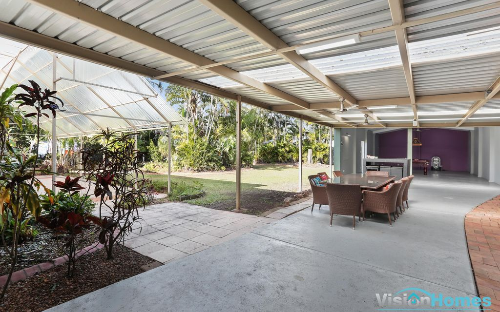 MASSIVE HOME with SHED to MATCH on 1080sqm Block