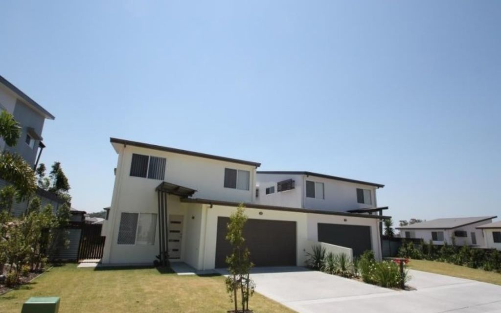 Fresh, Near New Townhouse with 4 Beds Plus Study!