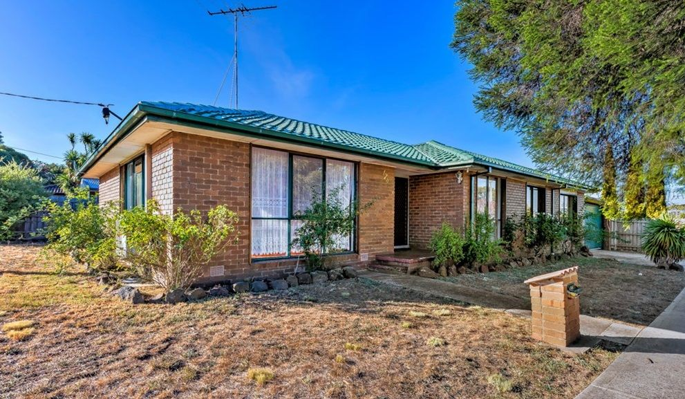 FAMILY HOME WITH GREAT LOCATION