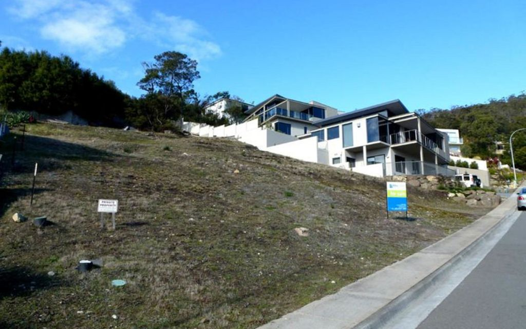 Stunning views – your choice of 2 town houses or 1 grand home (Subject to approvals)
