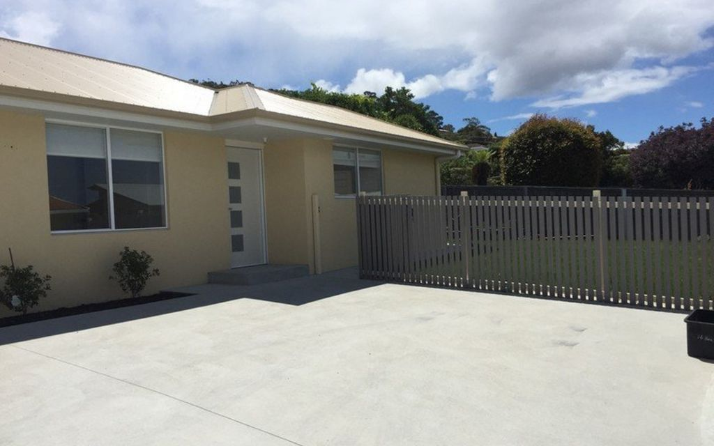 Brand new 3 bedroom unit on level grounds