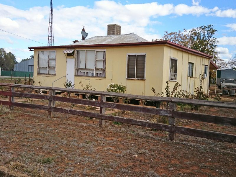 Affordable Country House with ¾ acres Land