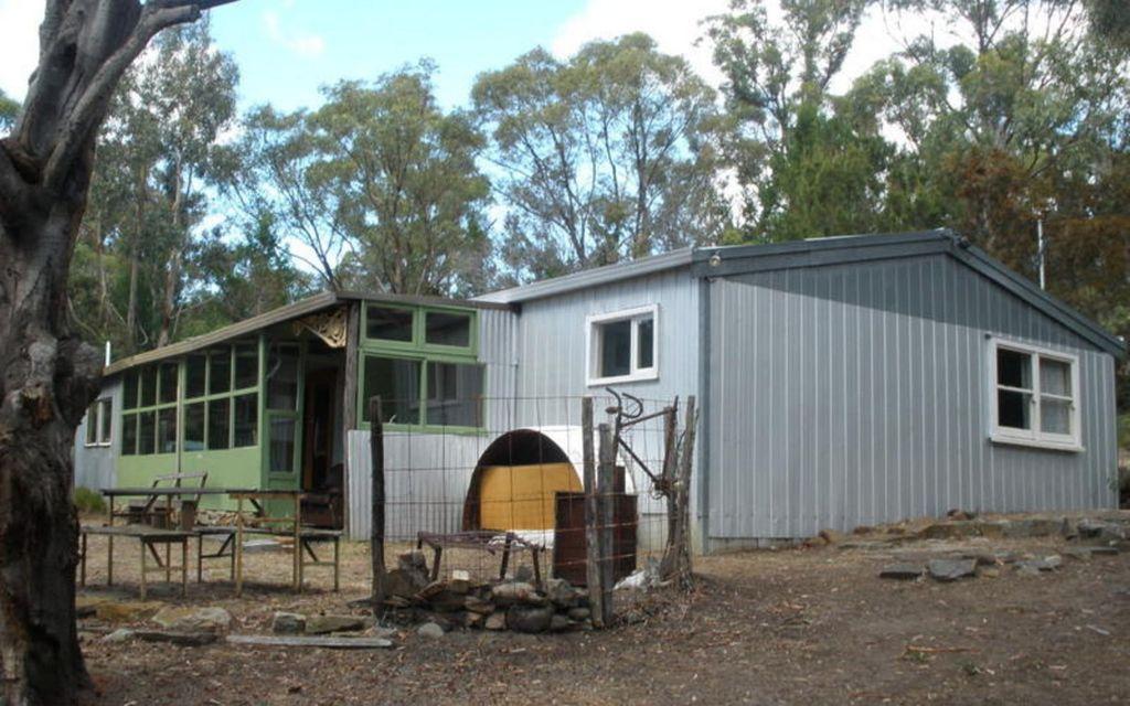 Bush shack in popular location