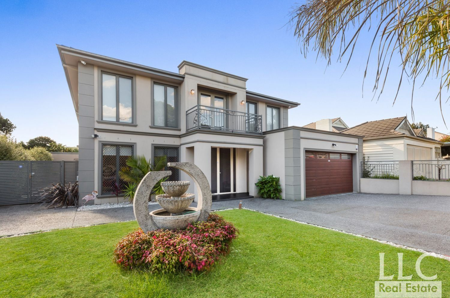 Luxury Family Living in the Glen Waverley School Zone